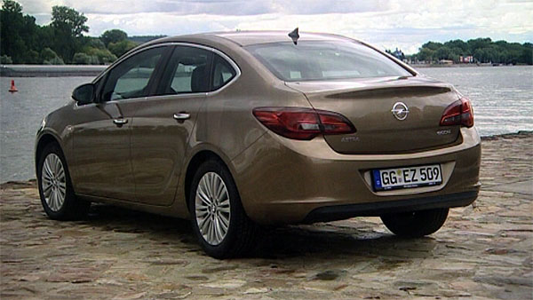 Opel Astra Limousine