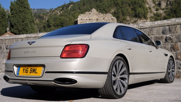 Bentley Flying Spur - Extended Version