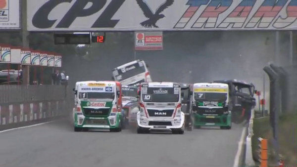 Spektakulärer Crash bei der Truckracing-EM in Zolder